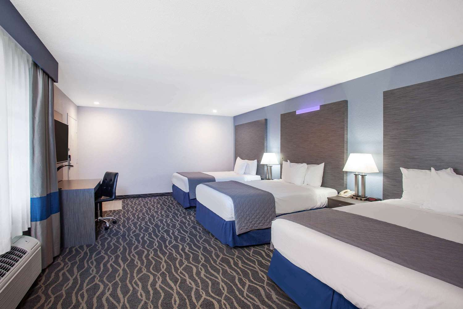 Travelodge Anaheim Inn Amp Suites On Disneyland Drive Ca See Discounts