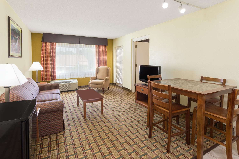 Suite - Ramada Hotel Southeast Asheville