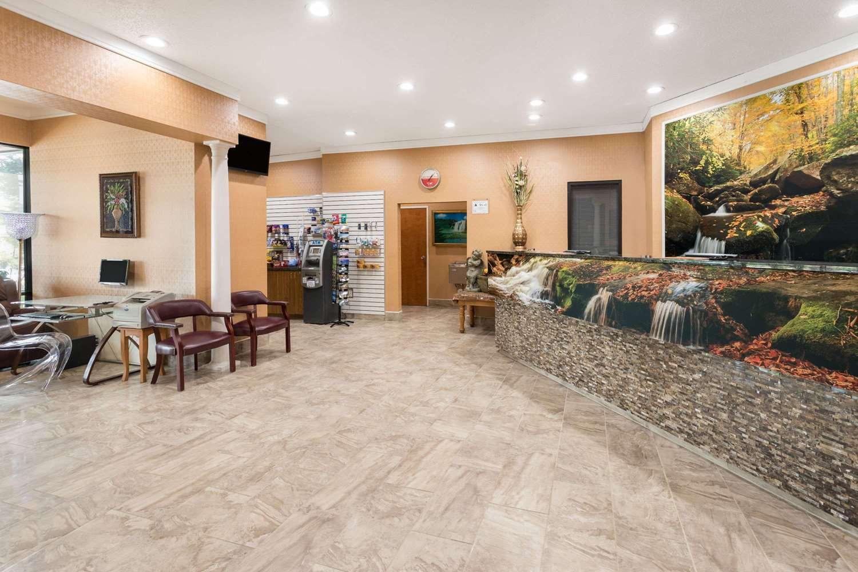 Lobby - Ramada Hotel Southeast Asheville
