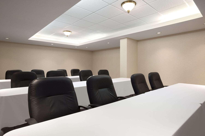 Meeting Facilities - Travelodge Hotel Niagara Falls
