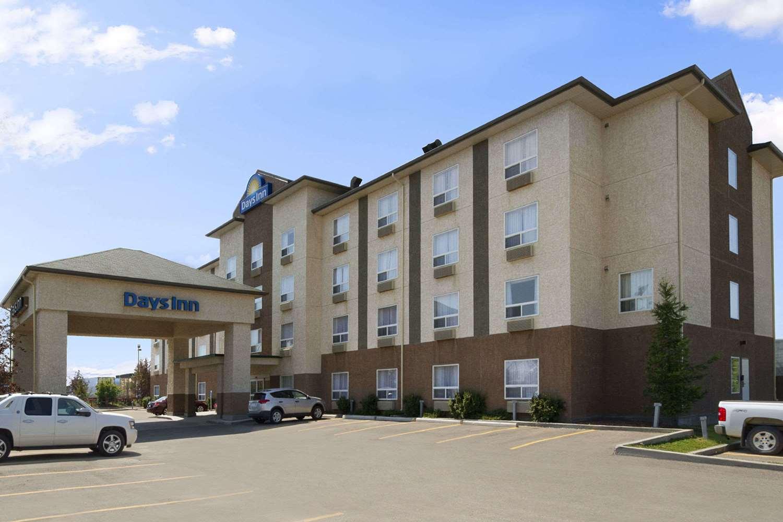 Exterior view - Days Inn University Edmonton