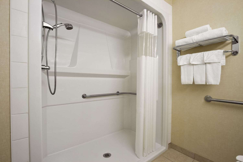 Room - Days Inn University Edmonton