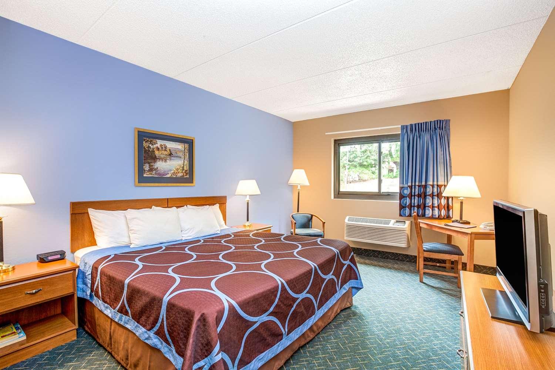 Room - Super 8 Hotel Mahwah