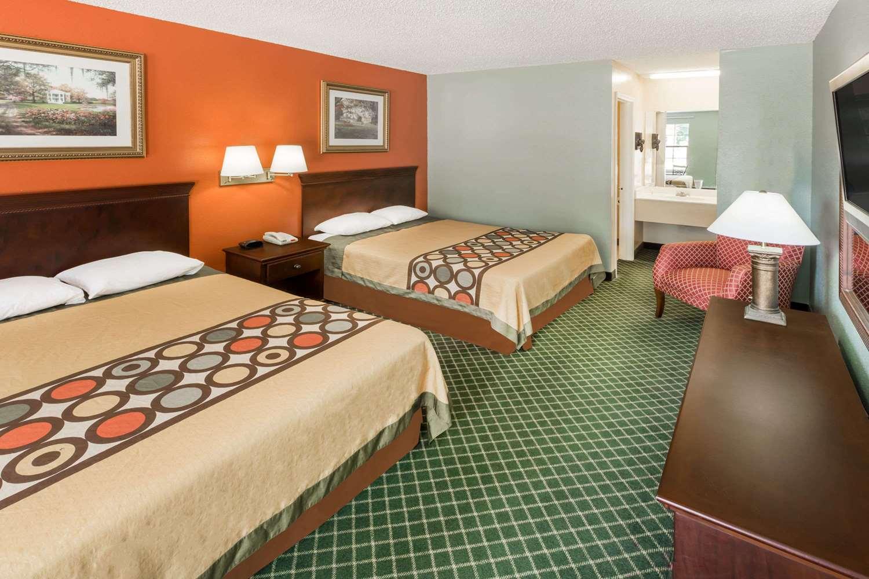 Room - Super 8 Hotel Kinder