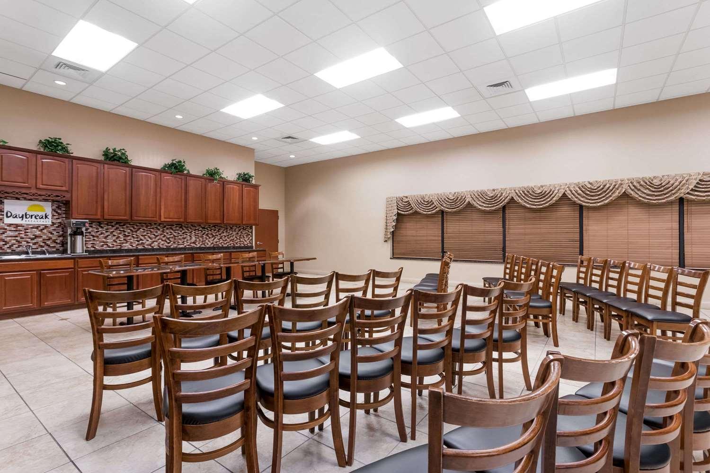 Meeting Facilities - Days Inn & Suites Lakeland