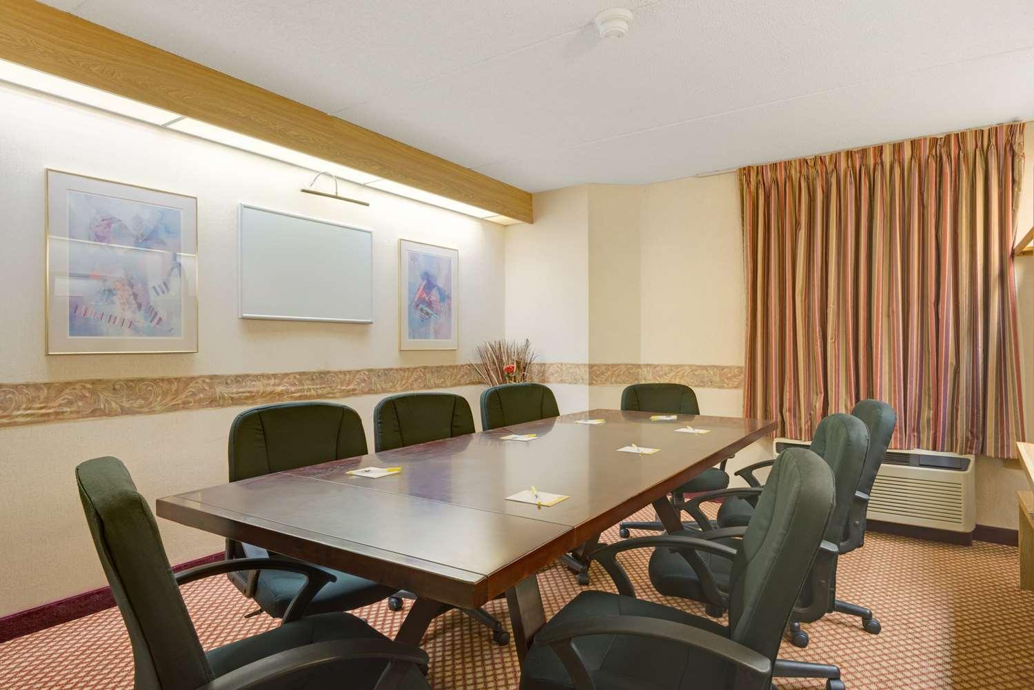 Meeting Facilities - Days Inn Pittsburgh Airport Coraopolis