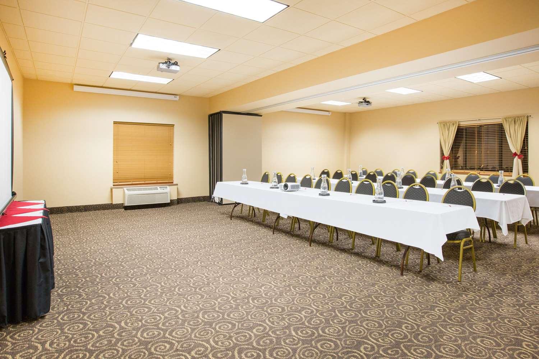 Meeting Facilities - Ramada Tropics Resort & Conference Center Des Moines