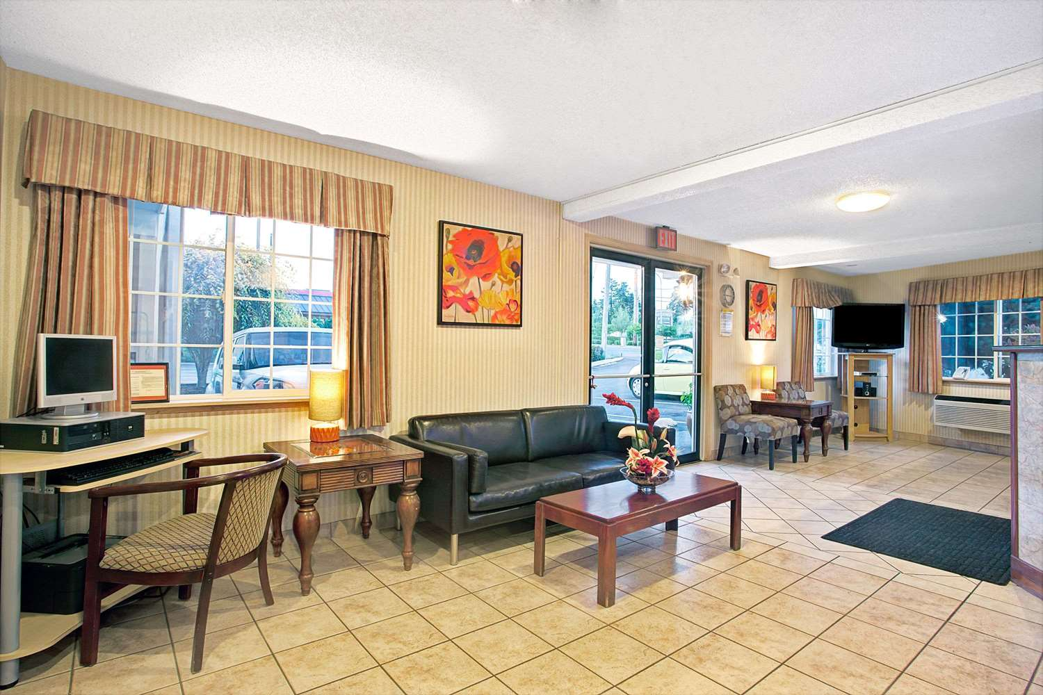 Lobby - Days Inn Federal Way