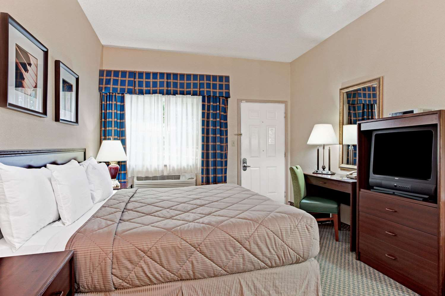Room - Days Inn Federal Way