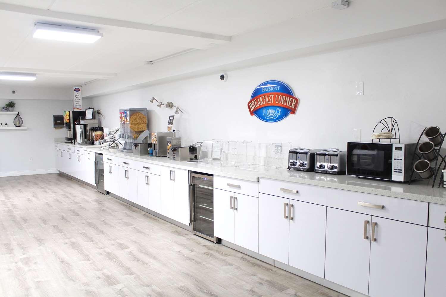 Restaurant - Baymont Inn & Suites Kissimmee