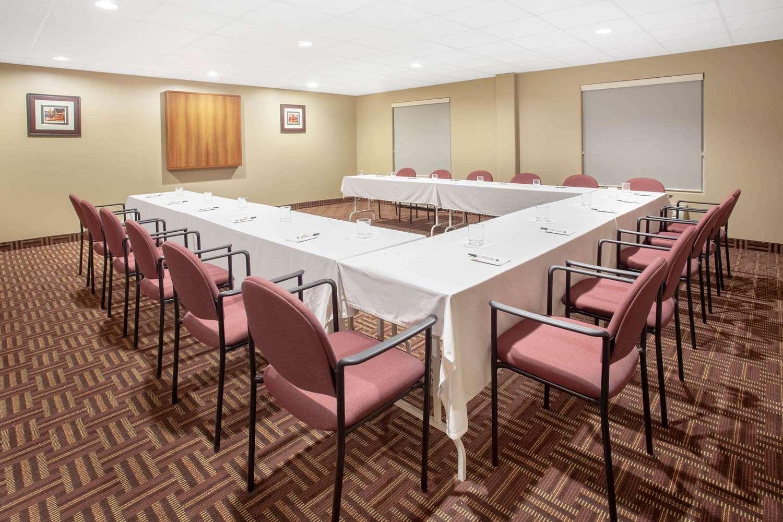 Meeting Facilities - Super 8 Hotel Midland