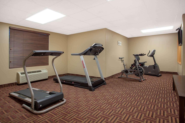 Fitness/ Exercise Room - Super 8 Hotel Midland
