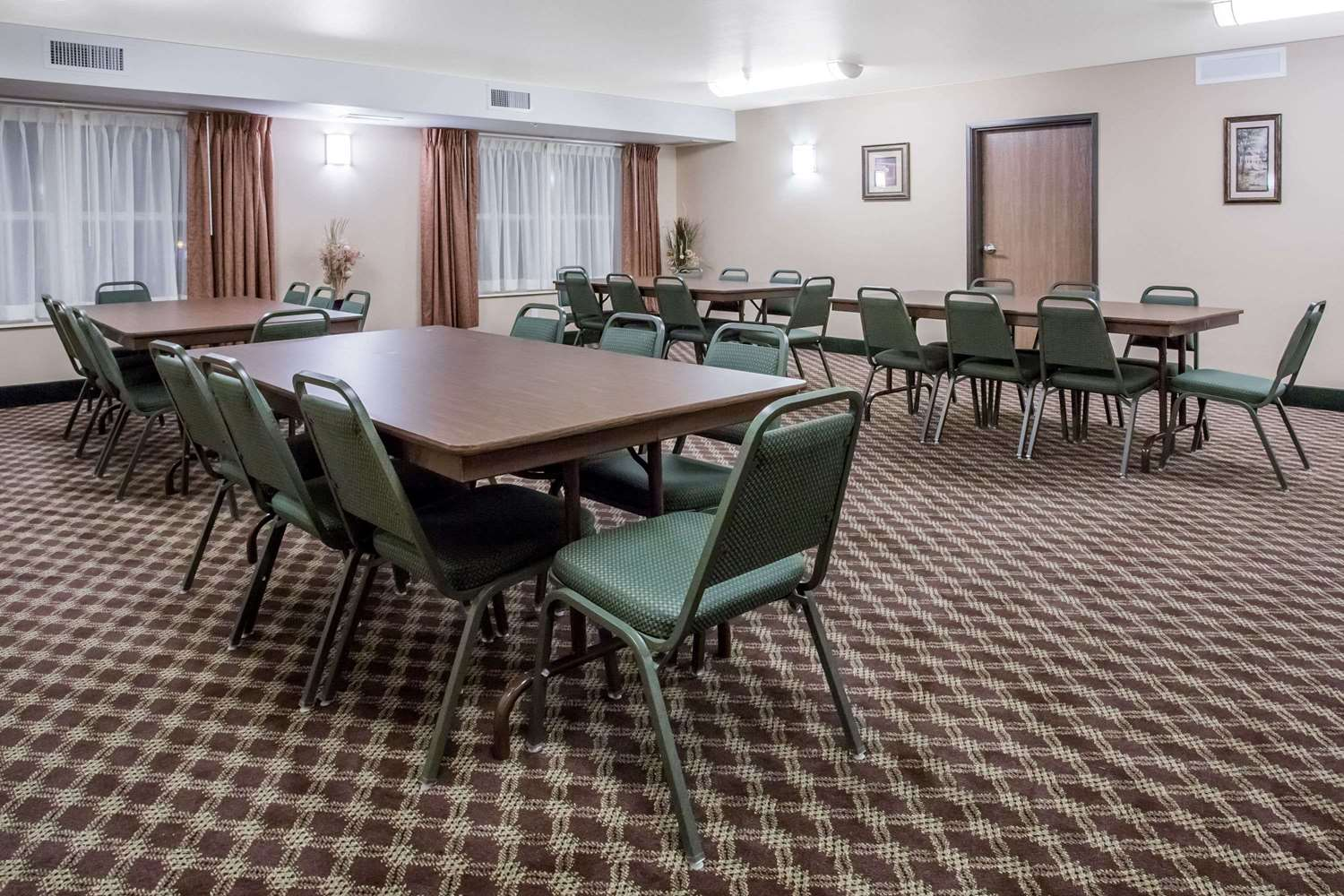 Meeting Facilities - Days Inn Manitou Springs
