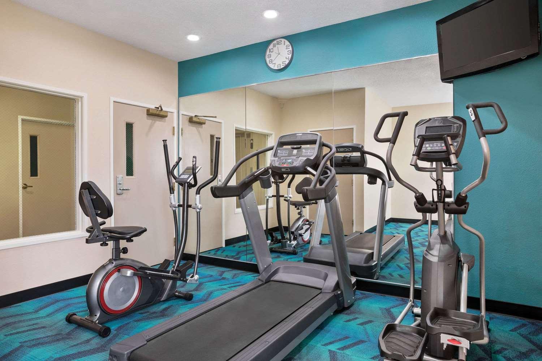 Fitness/ Exercise Room - Baymont Inn & Suites East Evansville