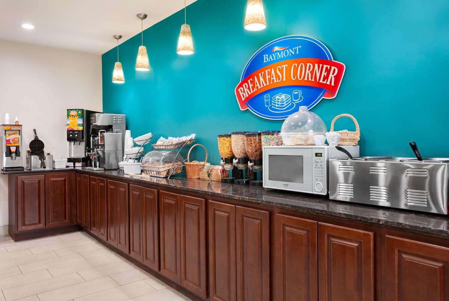 Restaurant - Baymont Inn & Suites East Evansville