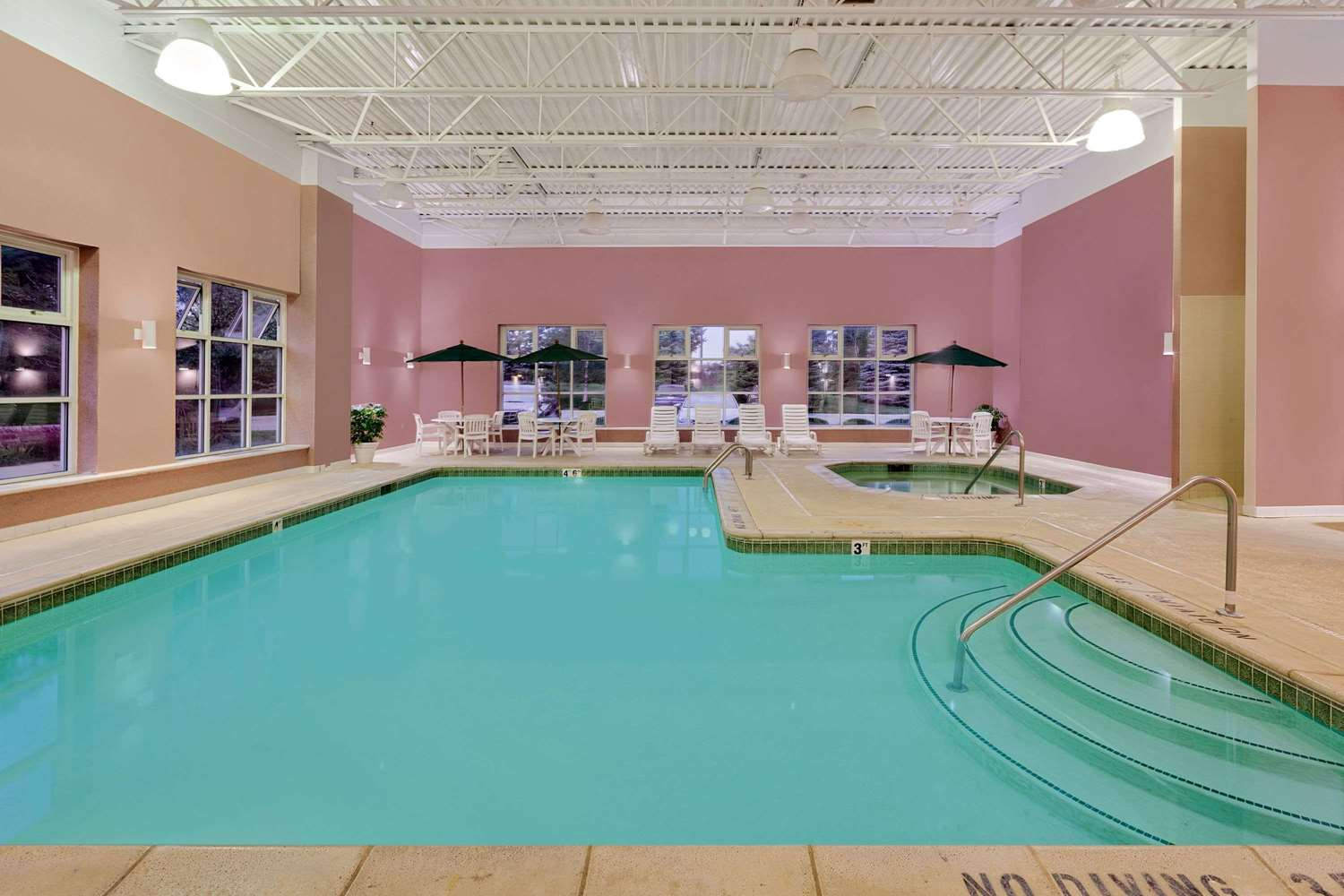 Pool - Baymont Inn & Suites Byron Center