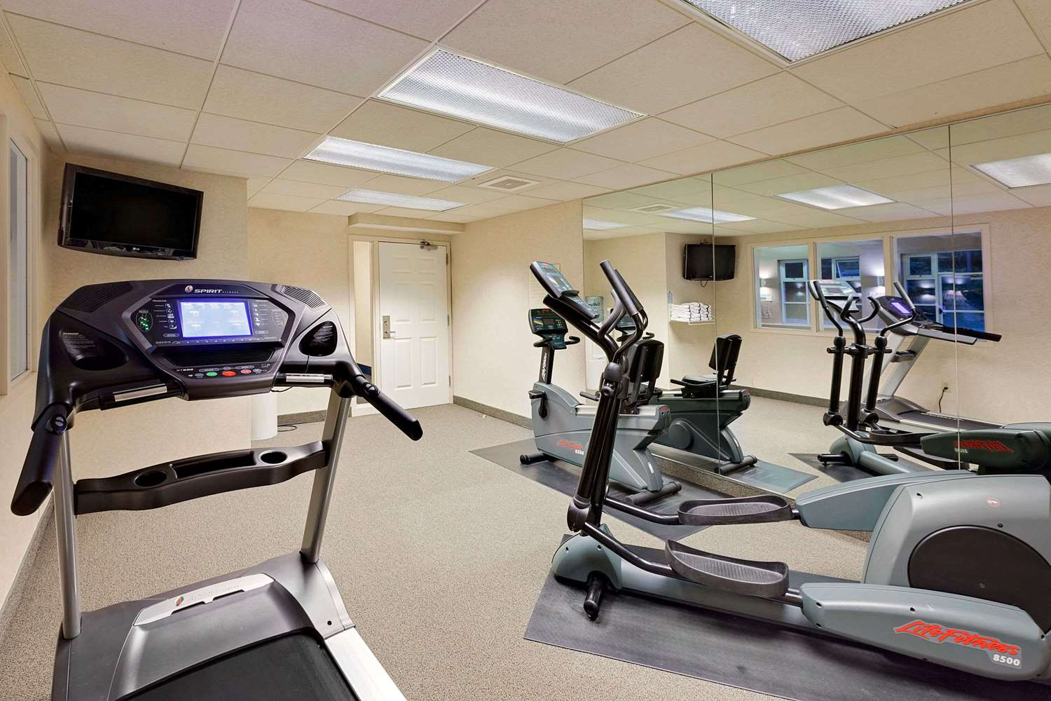 Fitness/ Exercise Room - Baymont Inn & Suites Byron Center