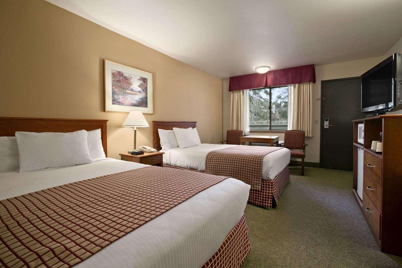 Room - Baymont Inn & Suites Kirkland