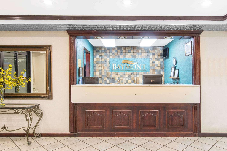 Lobby - Baymont Inn & Suites Jonesboro