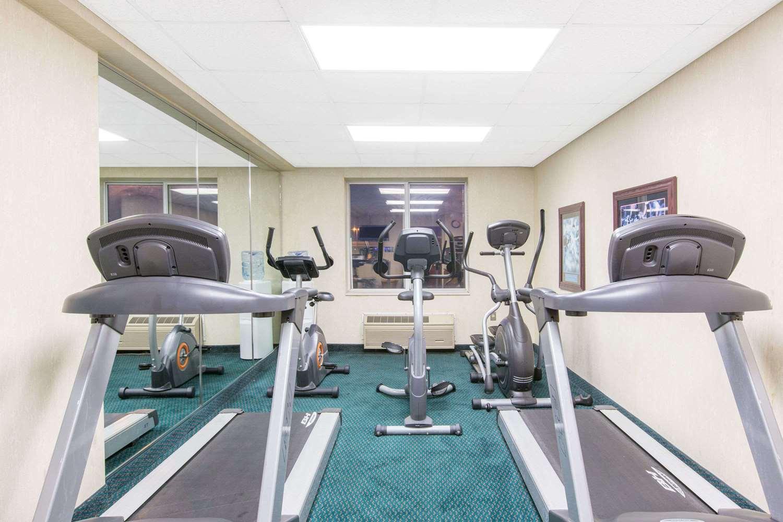 Fitness/ Exercise Room - Baymont Inn & Suites Jonesboro