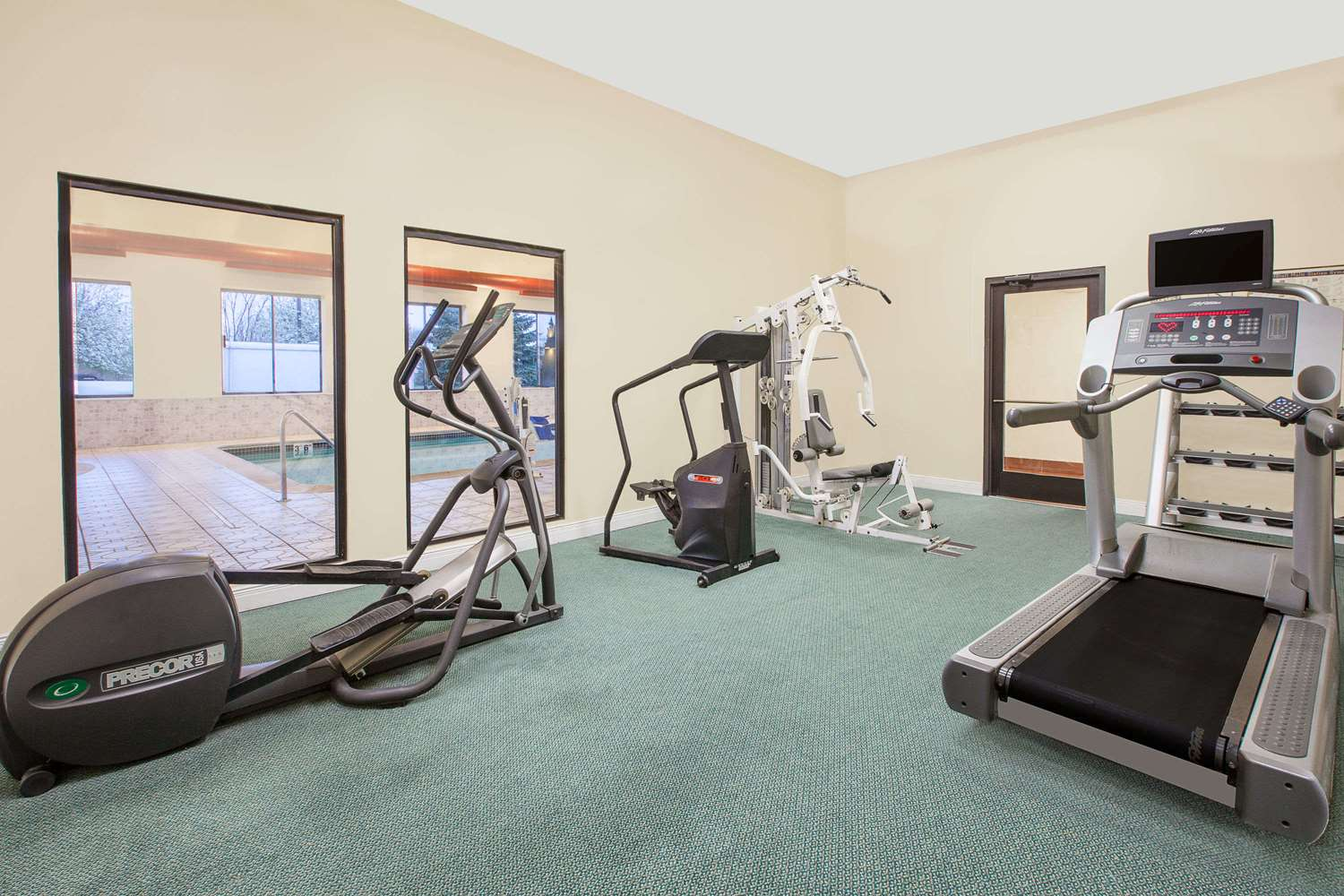 Fitness/ Exercise Room - Baymont Inn & Suites Flint