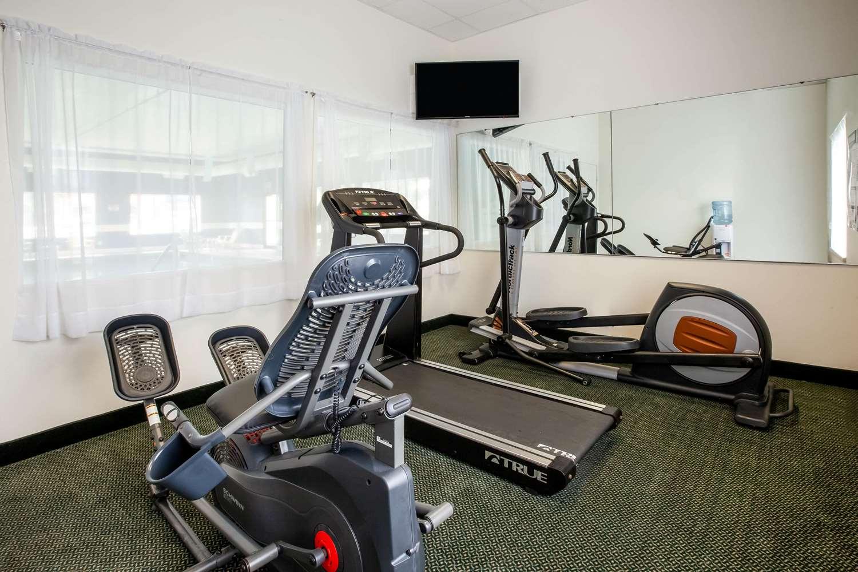 Fitness/ Exercise Room - Baymont Inn & Suites Mackinaw City