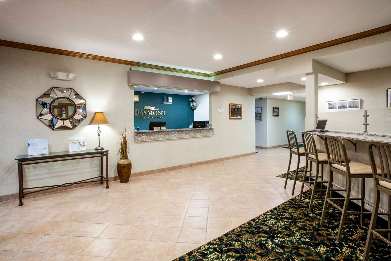 Lobby - Baymont Inn & Suites Mackinaw City