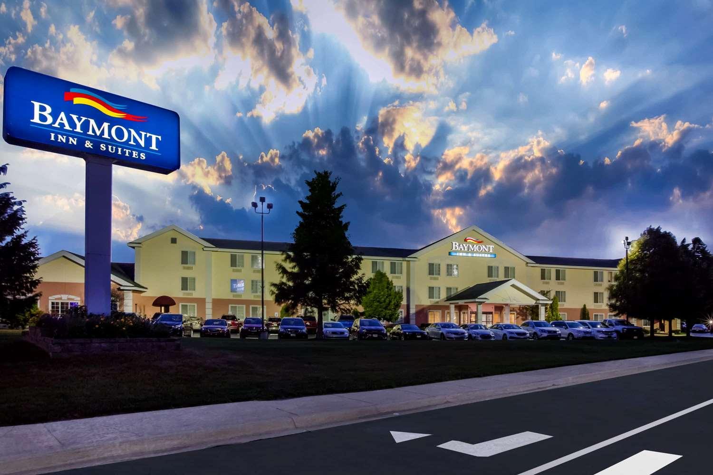 Exterior view - Baymont Inn & Suites Mackinaw City