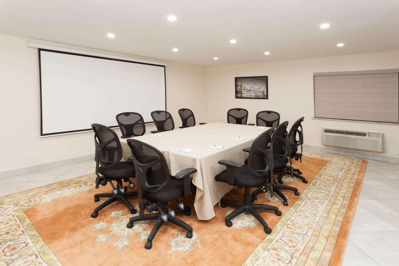 Meeting Facilities - Baymont Inn & Suites Alsip