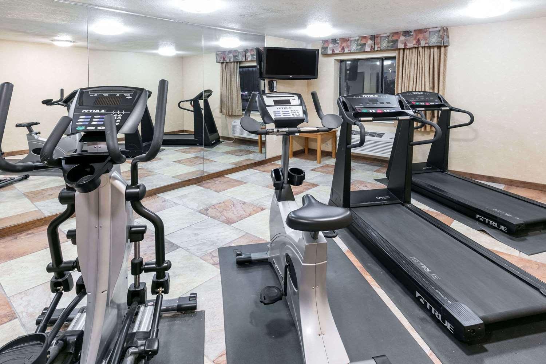 Fitness/ Exercise Room - Baymont Inn & Suites Arlington
