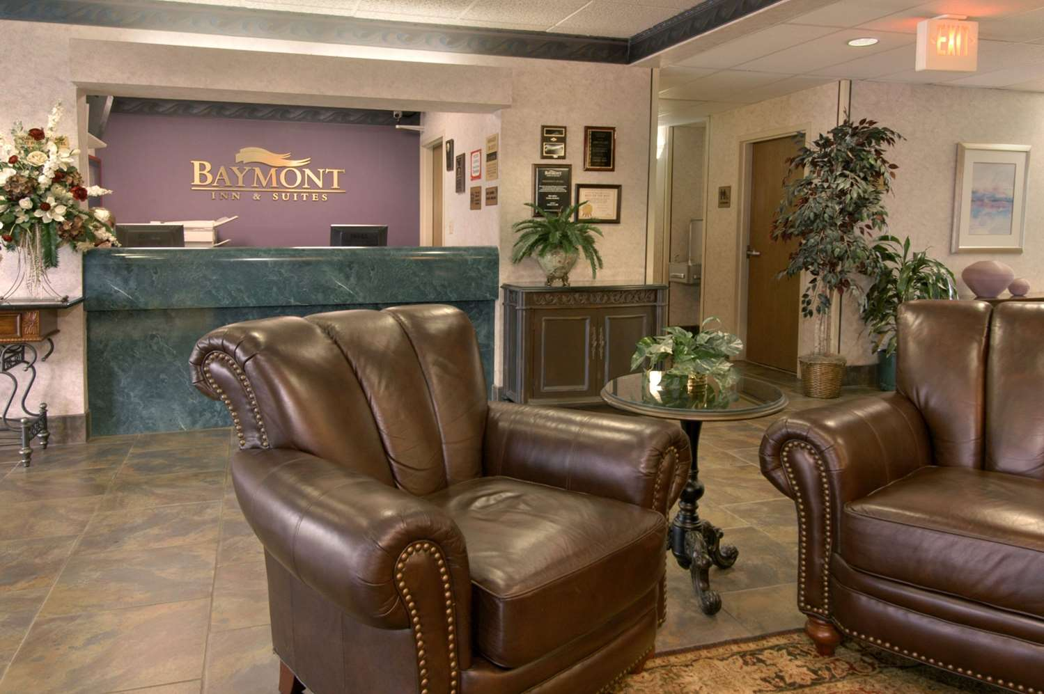 Lobby - Baymont Inn & Suites Corbin