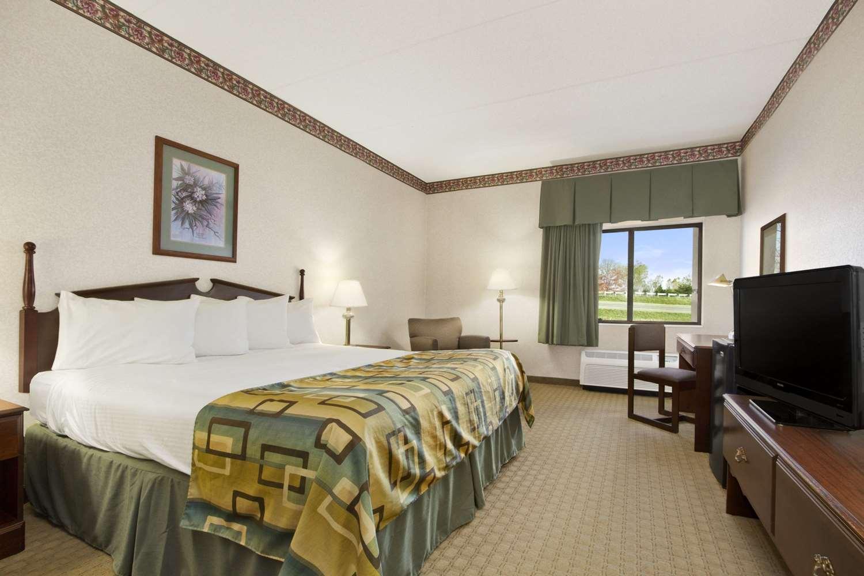 Room - Baymont Inn & Suites Corbin