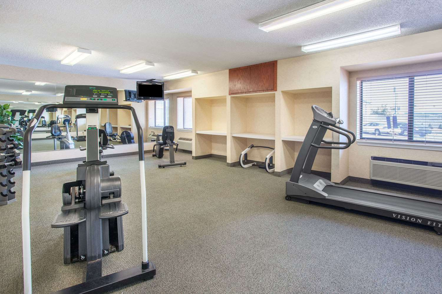 Fitness/ Exercise Room - Baymont Inn & Suites Roseville