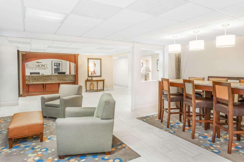 Lobby - Baymont Inn & Suites Champaign