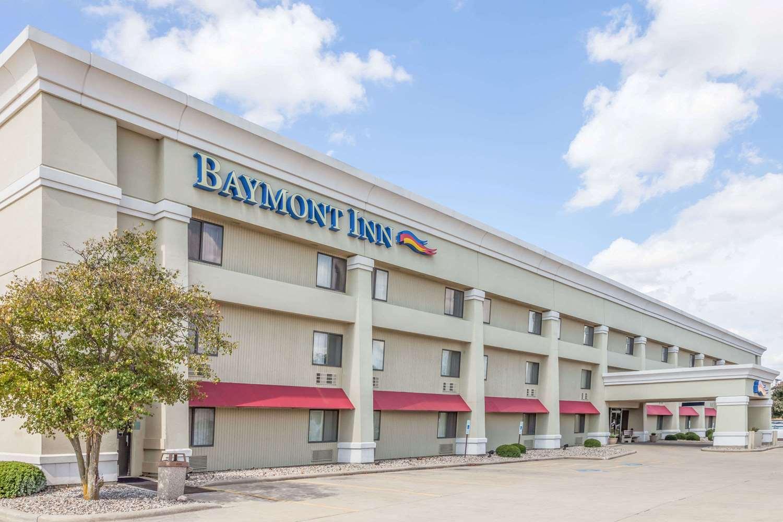 Exterior view - Baymont Inn & Suites Champaign