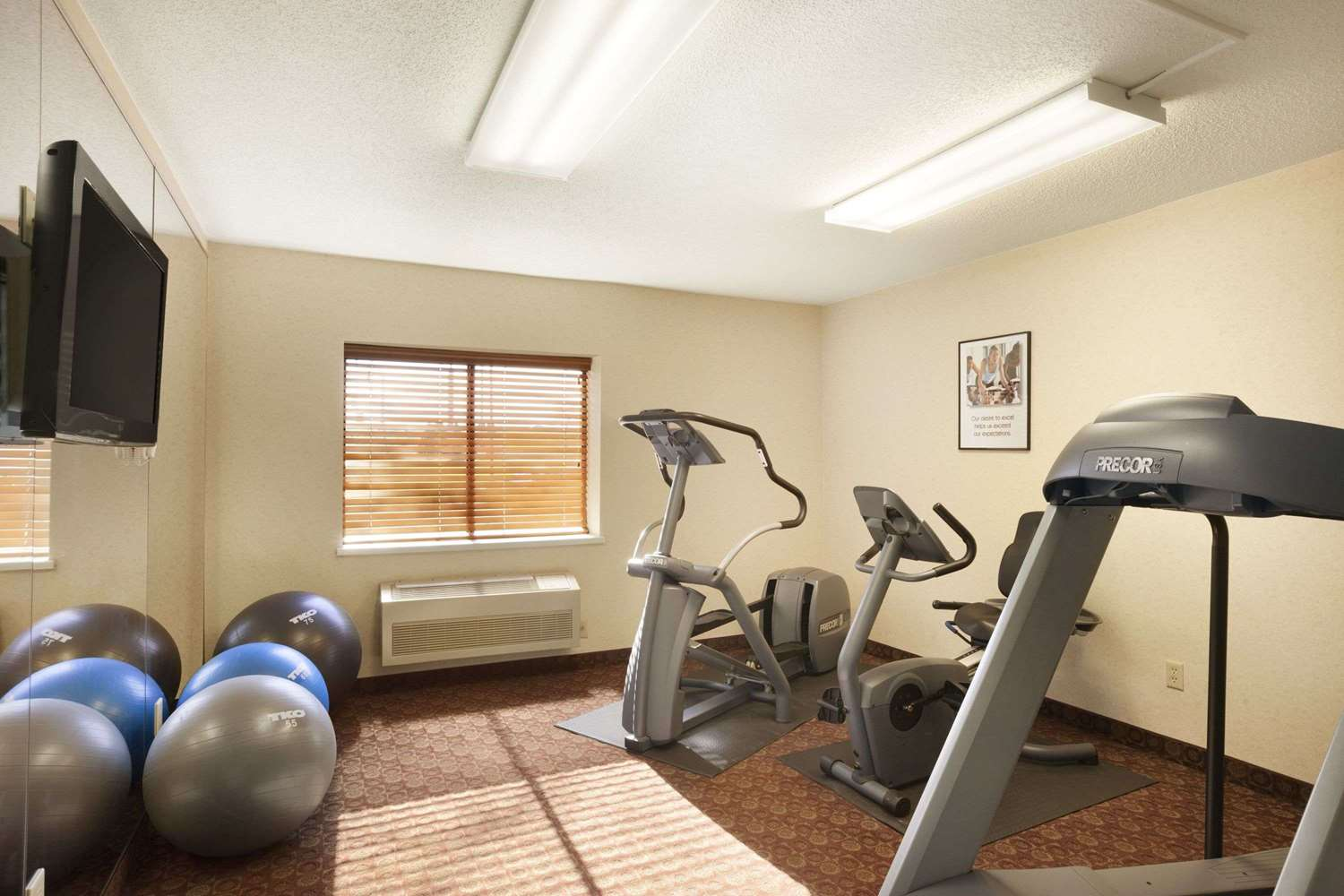 Fitness/ Exercise Room - Baymont Inn & Suites Sioux Falls