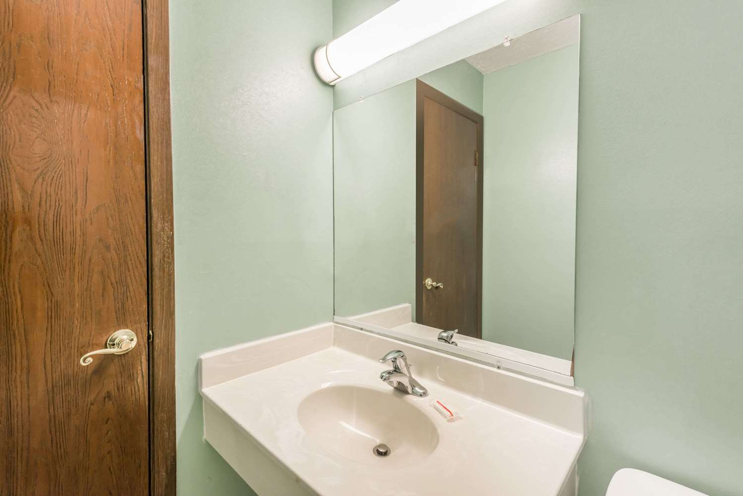 Room - Days Inn & Suites Girard