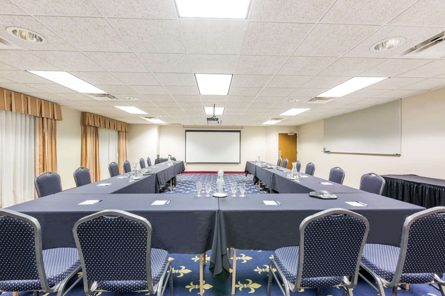 Meeting Facilities - Baymont Inn & Suites Airport Des Moines