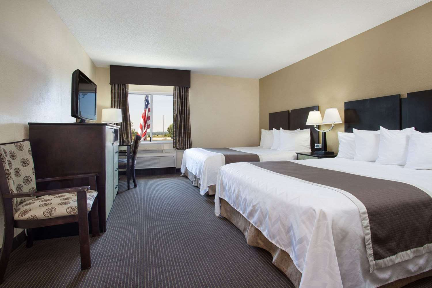 Baymont Inn Suites Dale In See Discounts