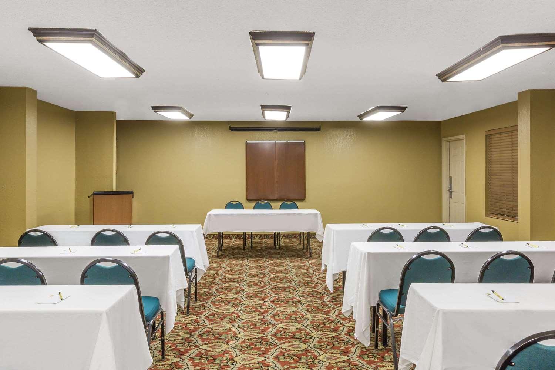 Meeting Facilities - Super 8 Hotel Metairie