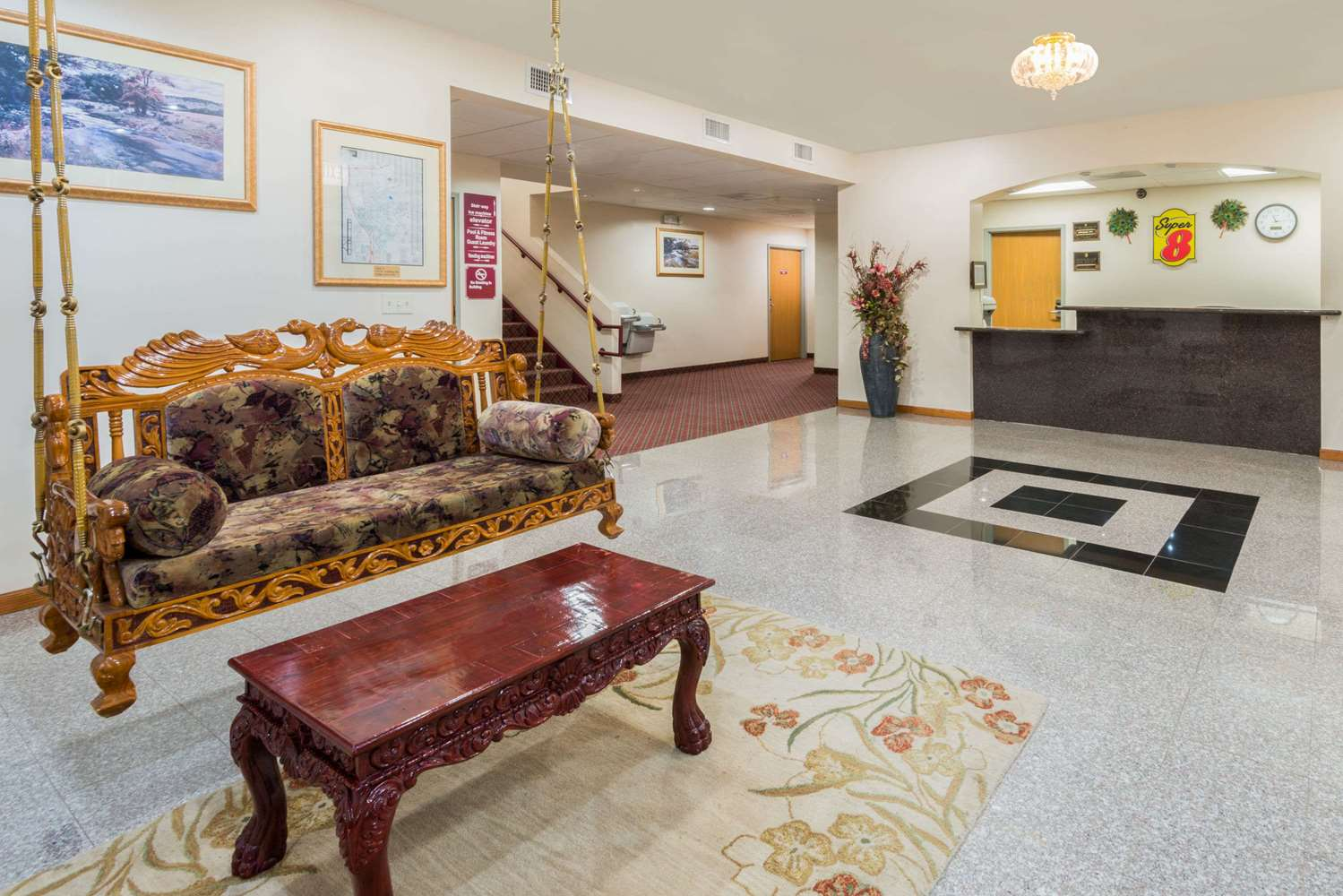 Lobby - Super 8 Hotel Schilling Road Salina