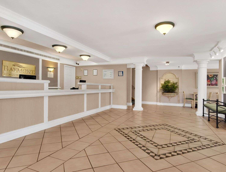 Lobby - Baymont Inn & Suites Longview