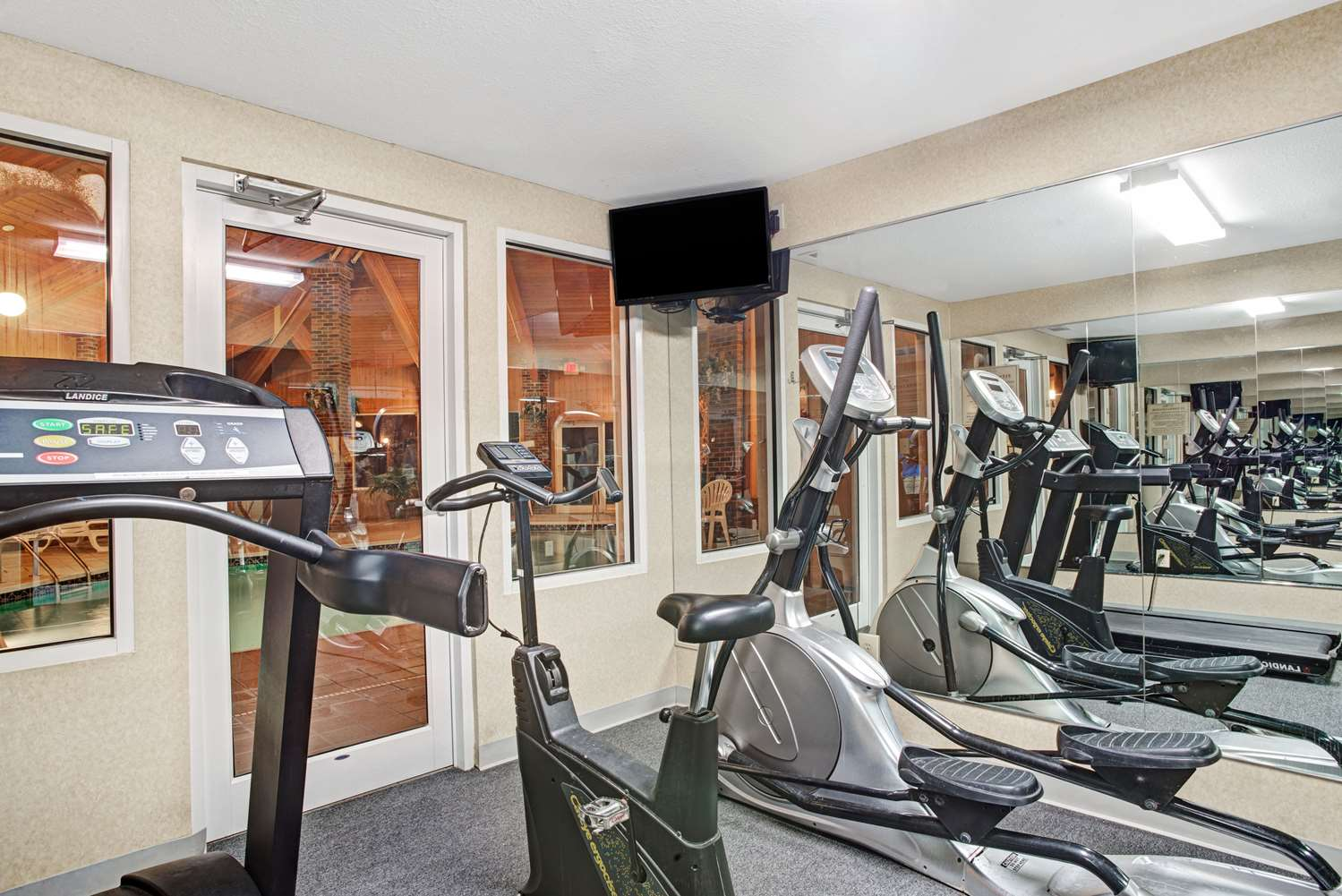 Fitness/ Exercise Room - Baymont Inn & Suites Indianapolis