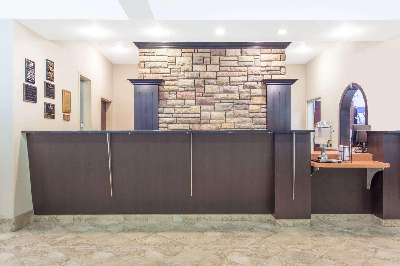 Lobby - Ramada Inn Pincher Creek