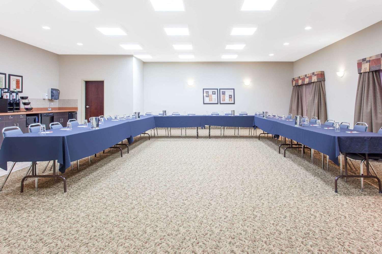 Meeting Facilities - Ramada Inn Pincher Creek