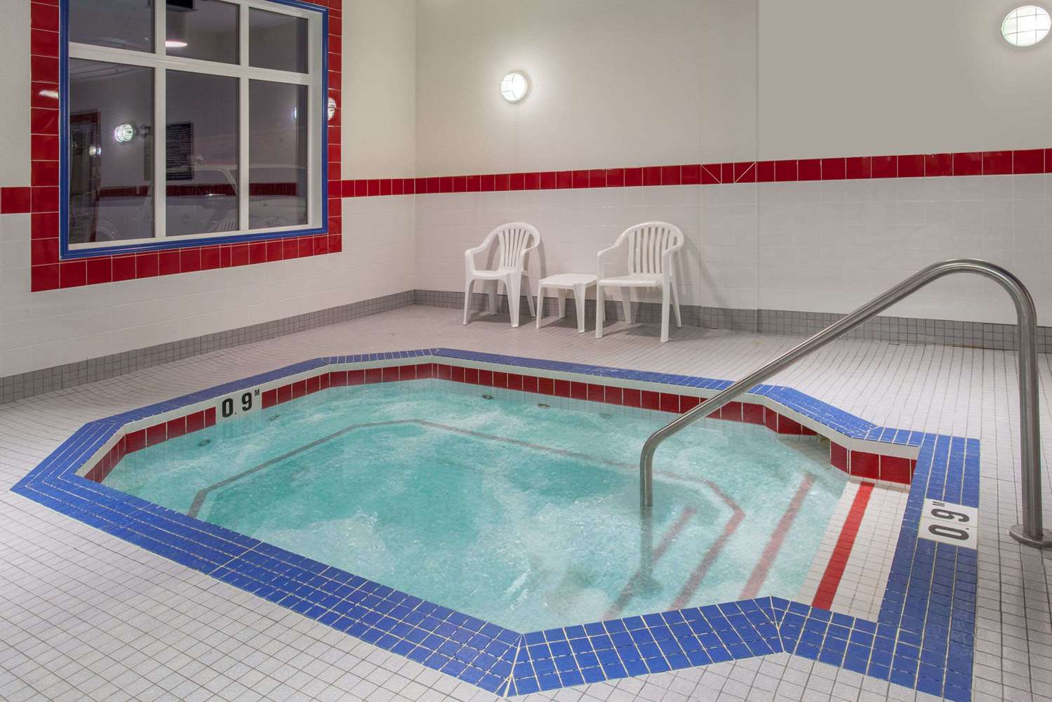 Pool - Ramada Inn Brooks