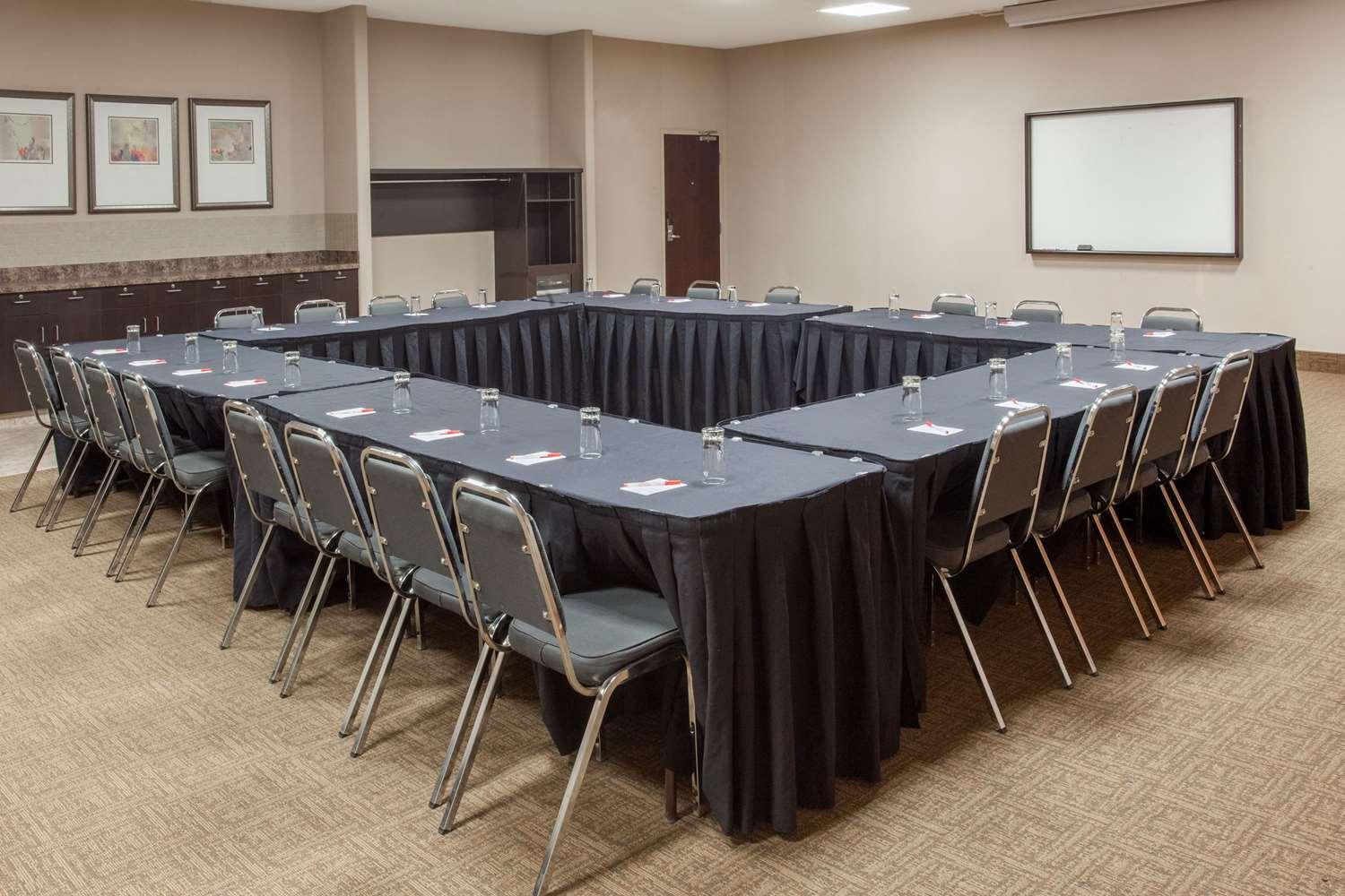 Meeting Facilities - Ramada Inn Brooks