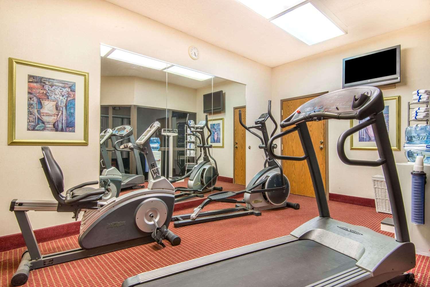 Fitness/ Exercise Room - Baymont Inn & Suites Topeka