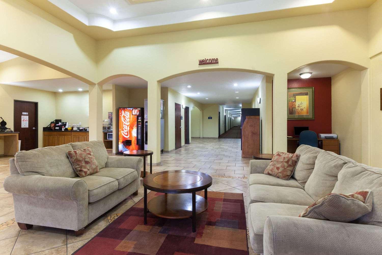 Lobby - Days Inn Palo Alto San Antonio