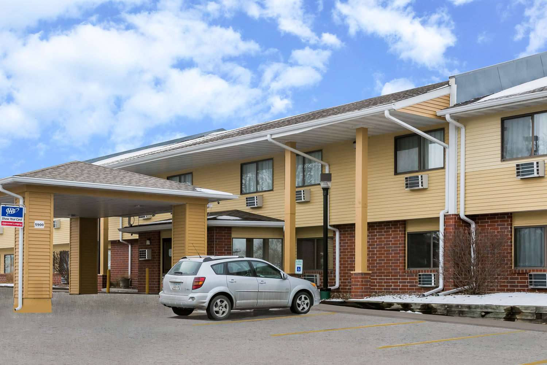 Exterior view - Super 8 Hotel Urbandale